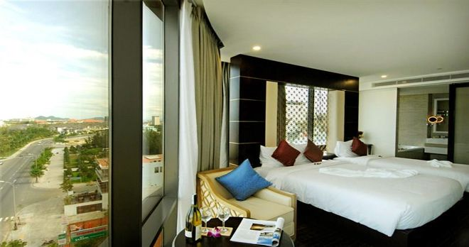 Khách sạn Holiday Beach Đà Nẵng