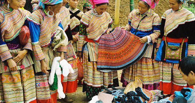 Phiền chợ vùng cao Sapa